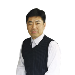 Yue Qiu (Head Teacher of Junior High School, Vice Principal of Beijing Jingshan School)