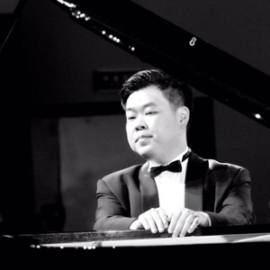 Wenbin Jin (Pianist,Yale School of Music 13')