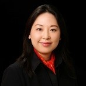 Julia Zhu (MBA '98, CEO, Phoenix Live Entertainment Company)